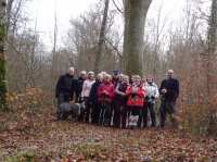 Devant le chêne de Durmenach vieux de 200 ans