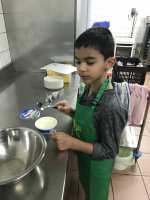 Lohan  prépare le mascarpone
