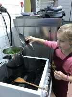 Pendant la cuisson de la soupe..